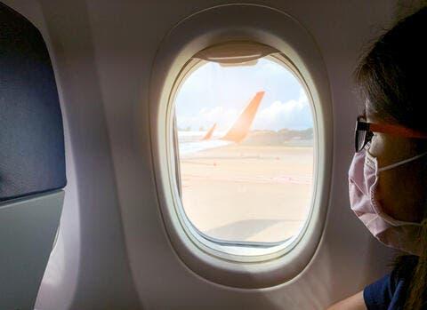 10 من أقذر الأماكن في الطائرة،، لا ننصحك بلمسها!
