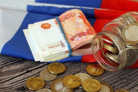 روسيا تعتمد خطة إنعاش اقتصادي بقيمة 66 مليار دولار