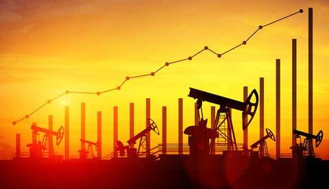 أسعار النفط ترتفع بعد هجوم إلكتروني يتسبب في إغلاق خطوط أنابيب أمريكية هامة