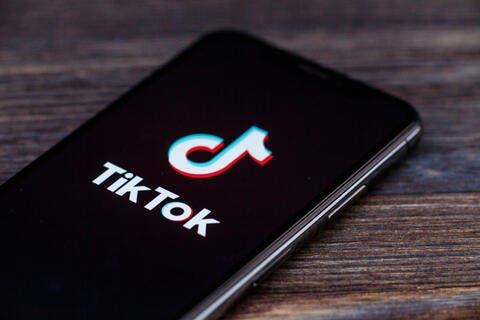 تيك توك يتصدر العالم ويصبح الأكثر تحميلاً خلال 2020