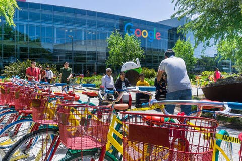South Korea to Curb Google, Apple Commission Dominance